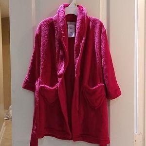 Kids Size 4/5 red bathrobe heart pockets swim